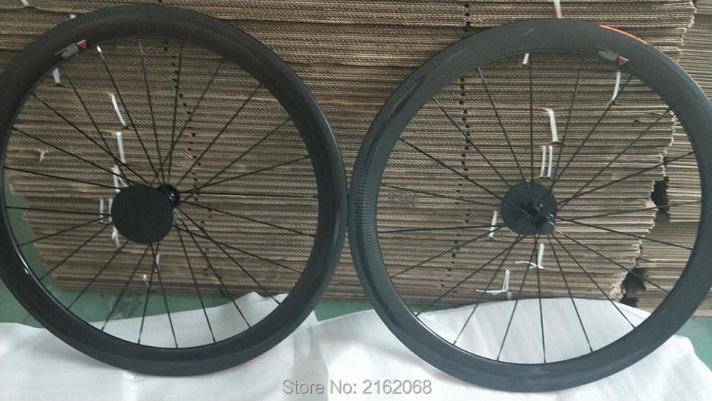 New arrival 700C 50mm Road racing bicycle 3K twill full carbon fibre bike clincher rim wheelset lightest 23 25mm width Free shipNew arrival 700C 50mm Road racing bicycle 3K twill full carbon fibre bike clincher rim wheelset lightest 23 25mm width Free ship