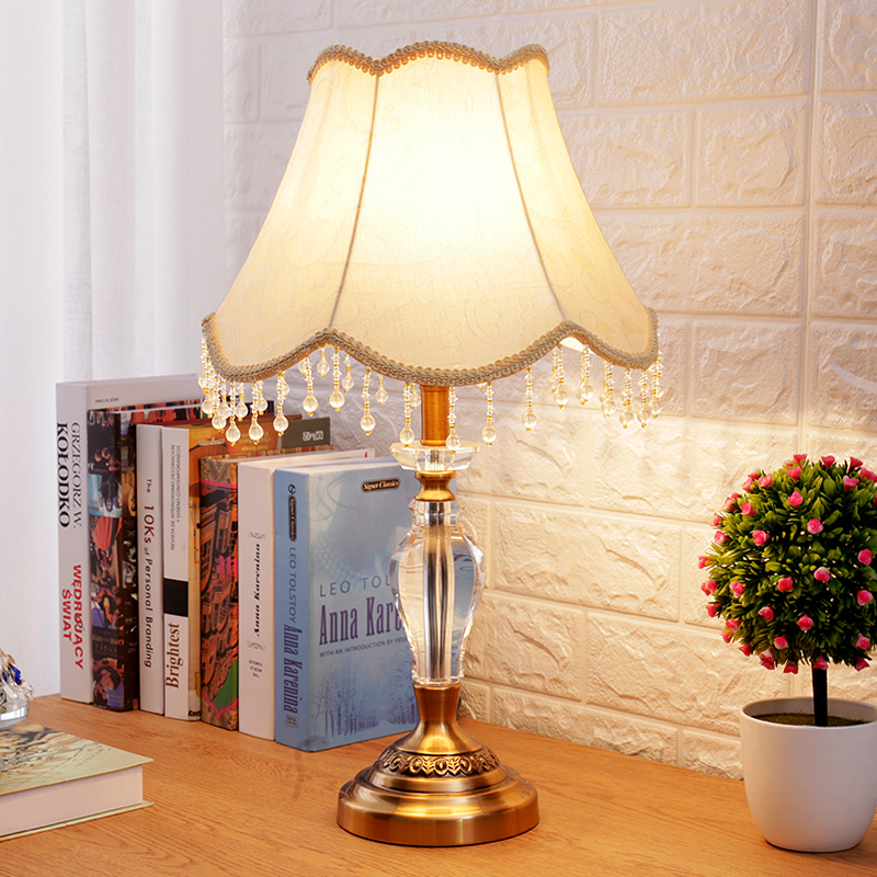 Girl table lamp with Lampshade Kids room Study room Bedroom unique bedside lamp Crystal Lamp Body home decor lampada de mesa
