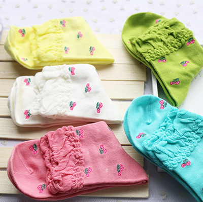 HOT SALES 5 Pairs/Lot Woman Cute Strawberrys Falbaba Thick Short Socks Students Kawaii Rainbow Color Meias Calcetines Mujer