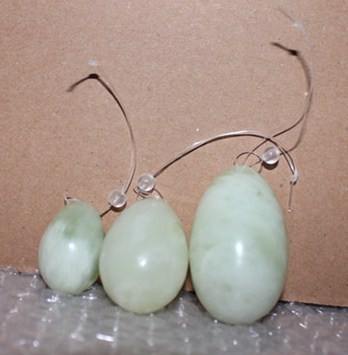 green xiu yan jade stone 3pcs/ set Kegel Exercise Drilled Jade Egg for women kegel exerciser