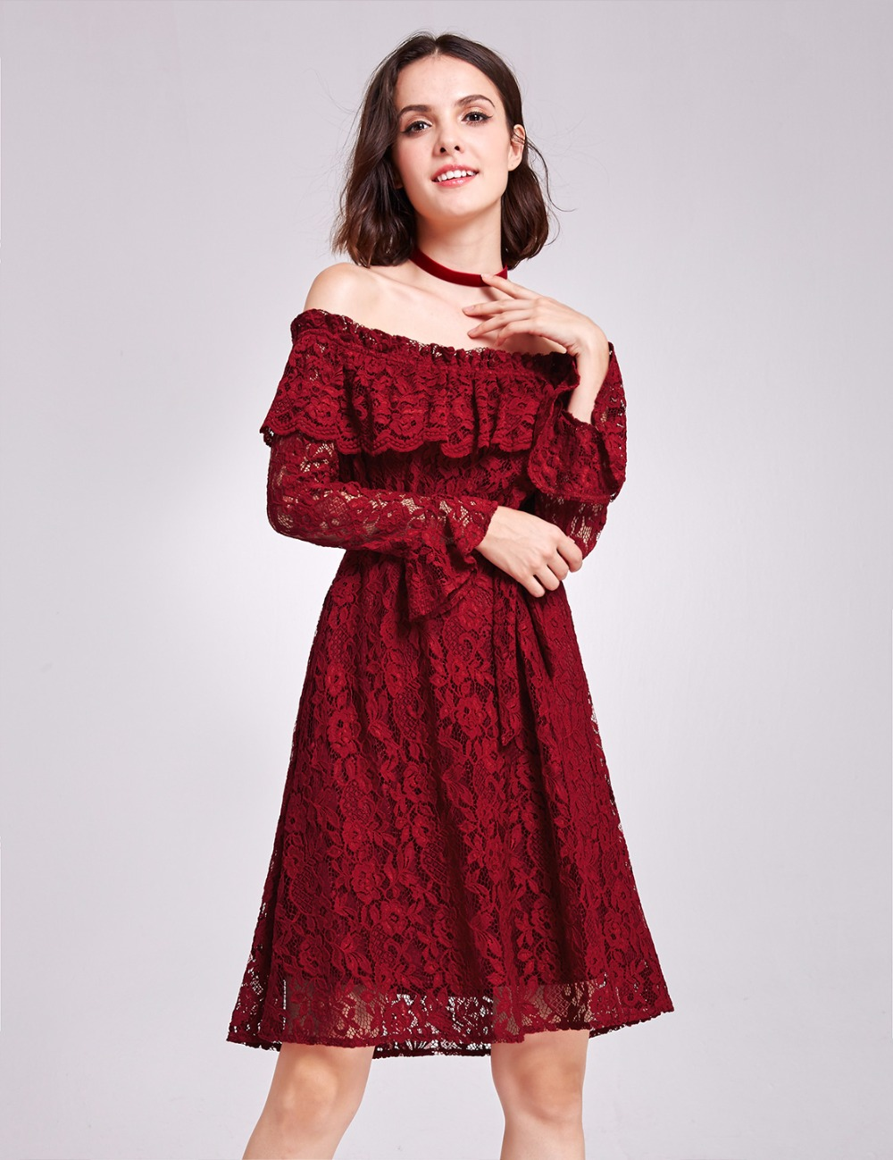 Ever Pretty Women Vintage Sexy Short Evening Dresses Lace Boat Neck Burgundy Full Sleeve Homecoming Party Evening Dress AS05906