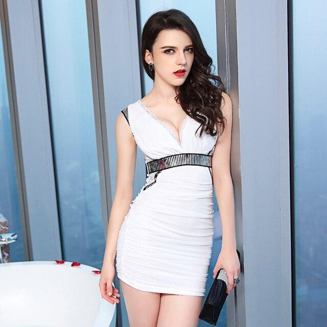 Sexy Club Dress 2017 Femmes Profonde V Cou Sans Manches Noir Blanc Couleur  Bloc Moulante Bandage 4891c51e78e9