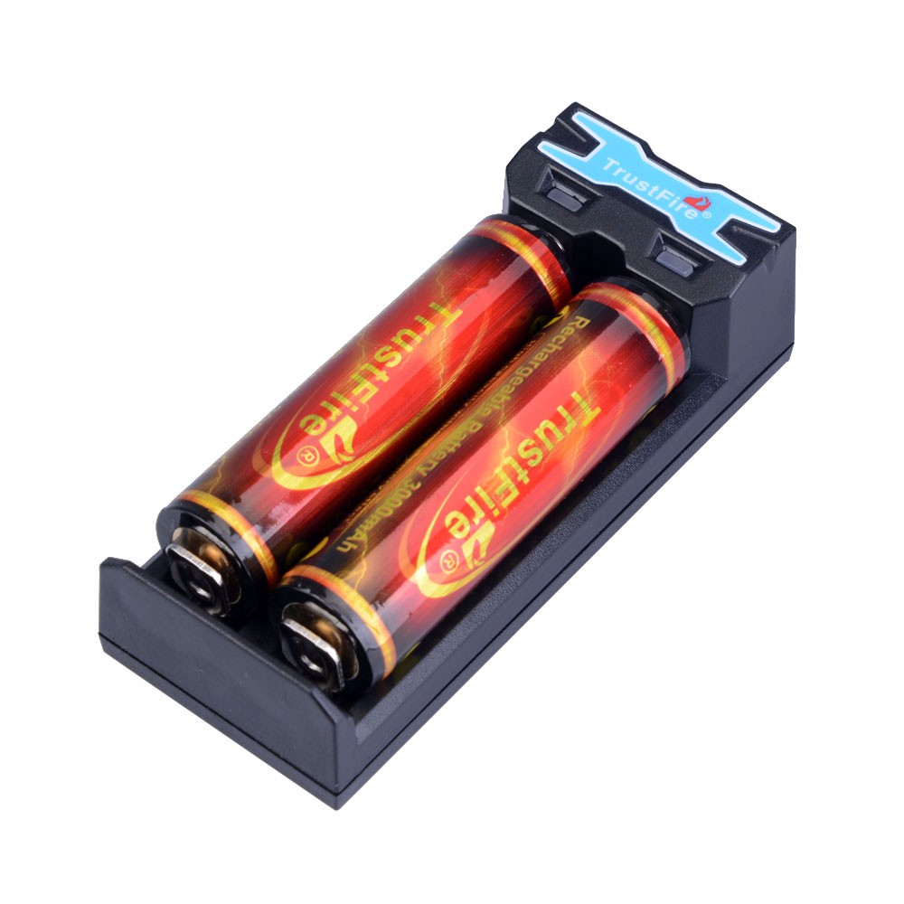 TrustFire TR-016 5V Mini Universal Micro USB Battery Charger+2pcs Protected 18650 3000mah Rechargeable Batteries