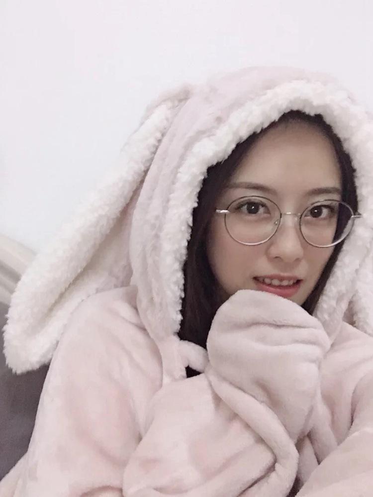 Cute Pink Comfy Blanket Sweatshirt Winter Warm Adults and Children Rabbit Ear Hooded Fleece Blanket Sleepwear Huge Bed Blankets 91