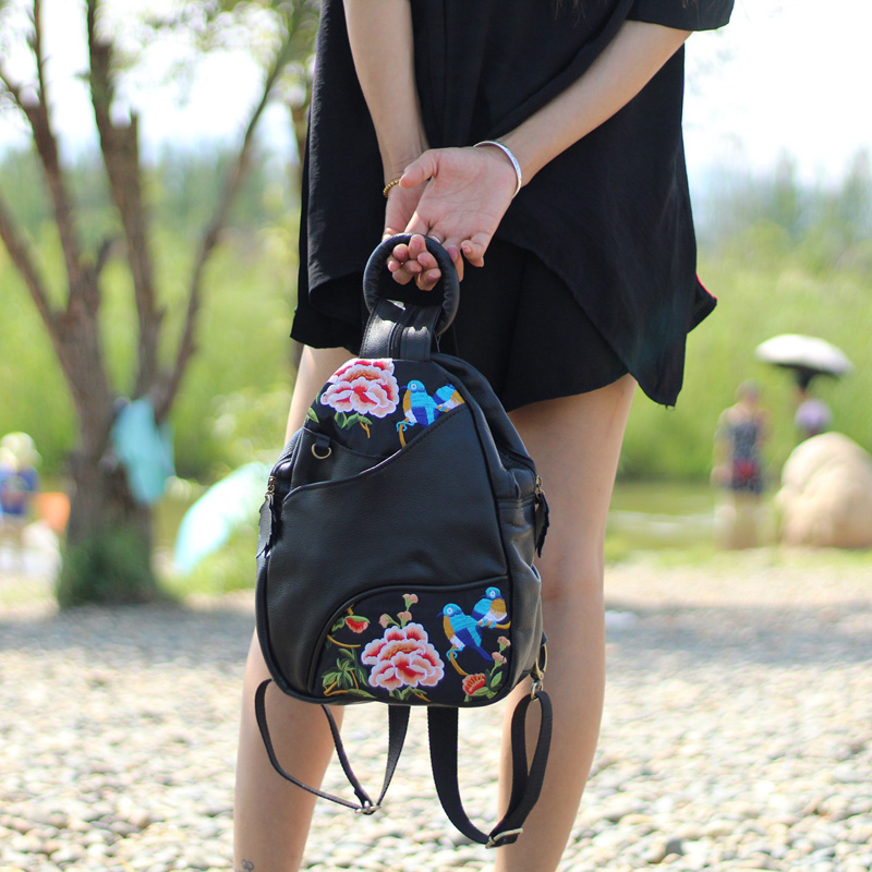 Women National Retro Embroidery Backpack The First Layer Cowhide Bagpack Lady Casual Genuine Leather Bohemia Shoulder