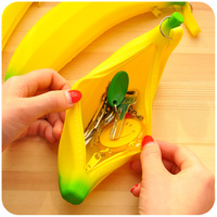 05f23977f Creative Zipper Cute Mini Silicone Coin Purse Korean Female Student Banana  Hand Coin Small Wallet Purse. Zíper criativo bonito mini bolsa ...