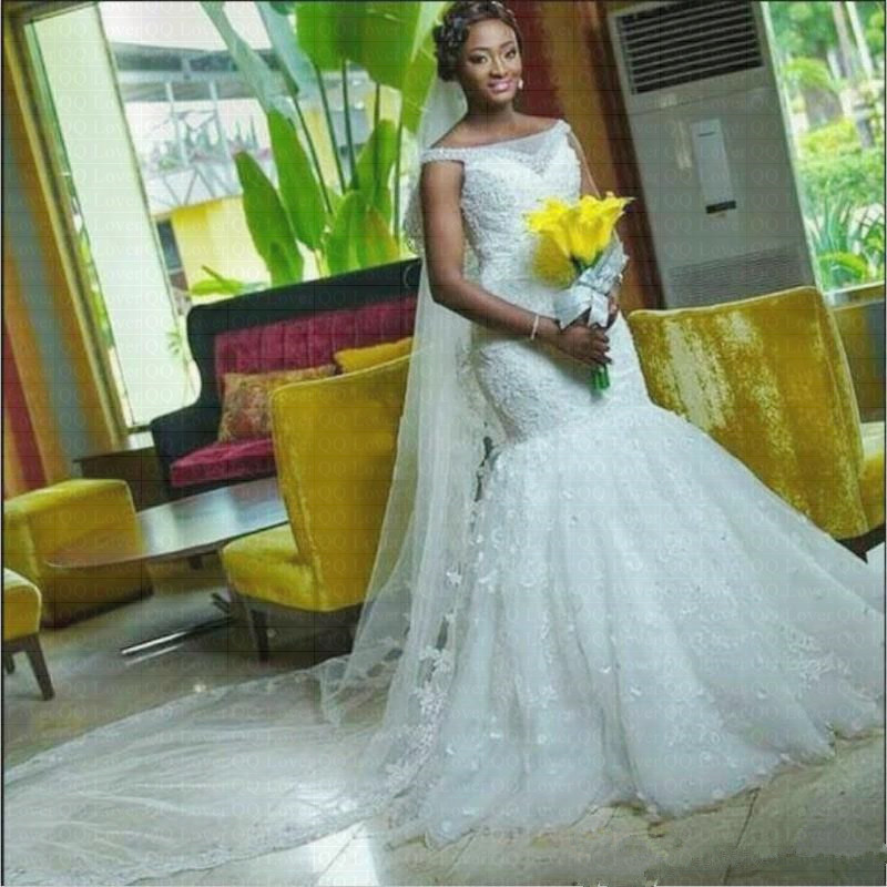 2019 The Latest African Style Mermaid Wedding Dress With Flowers Lace Wedding Gown Plus Size Wedding Gown