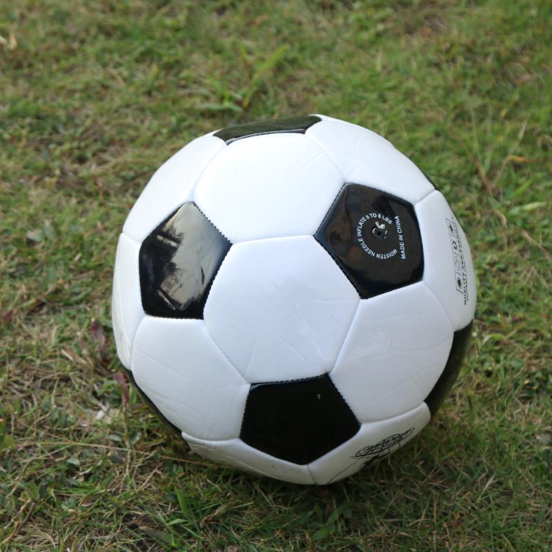 HTB14.BqbVHM8KJjSZJiq6zx3FXab - ballon de footClassic Black White Size Soccer Ball Outdoor Sport Training Balls  200mm Football Germany Spain Football