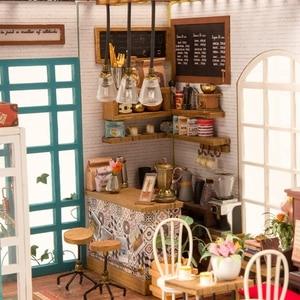 Image 3 - Robotime 아트 인형 집 DIY 미니 하우스 키트 가구와 미니 인형 집 어린이를위한 사이먼의 커피 완구 소녀의 선물 DG109