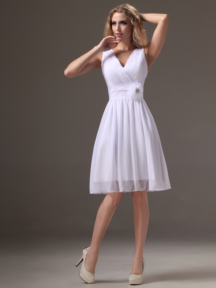 5b1e7aff0a1 2019 Real Little White Short Bridesmaid Dresses V Neck Tank Straps  Sleeveless Pleats Chiffon Knee Length Beach Bridesmaid Robes-in Bridesmaid  Dresses from ...