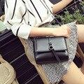 El envío libre 2016 Nuevas mujeres de la llegada hombro y bolsos ocasionales Simples Europa moda Retro solapa color sólido de LA PU breve mini bolsas