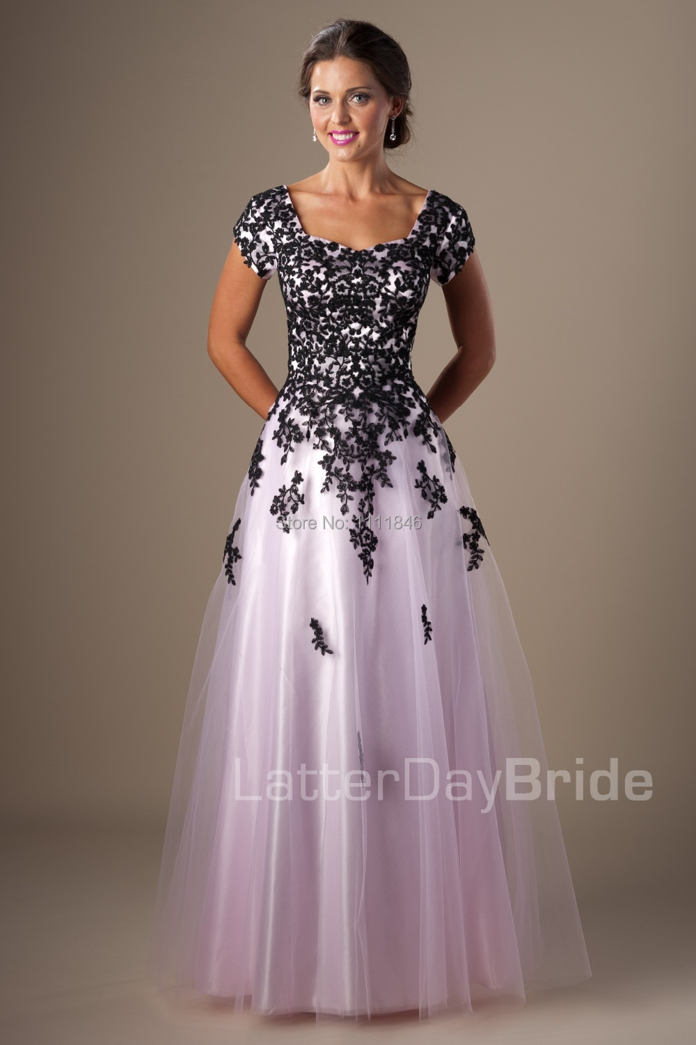 Black and White Modest Prom Dresses with Sleeves