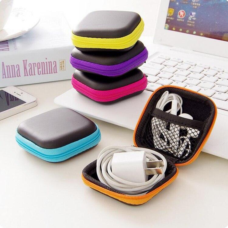купить MIRUI Clip Holder Clip Dispenser Desk Organizer Bags Headphones Earphone Cable Earbuds Storage Pouch bag random color по цене 81.6 рублей