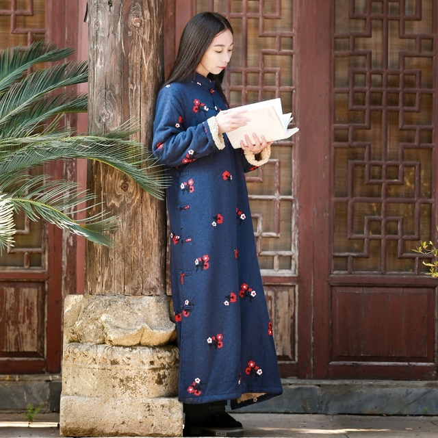 Long Sleeve Embroidery Winter Dress Women Fleece Lining Maxi Dresses  Traditional Chinese Cotton Linen Gown Warm bef0b1660d52