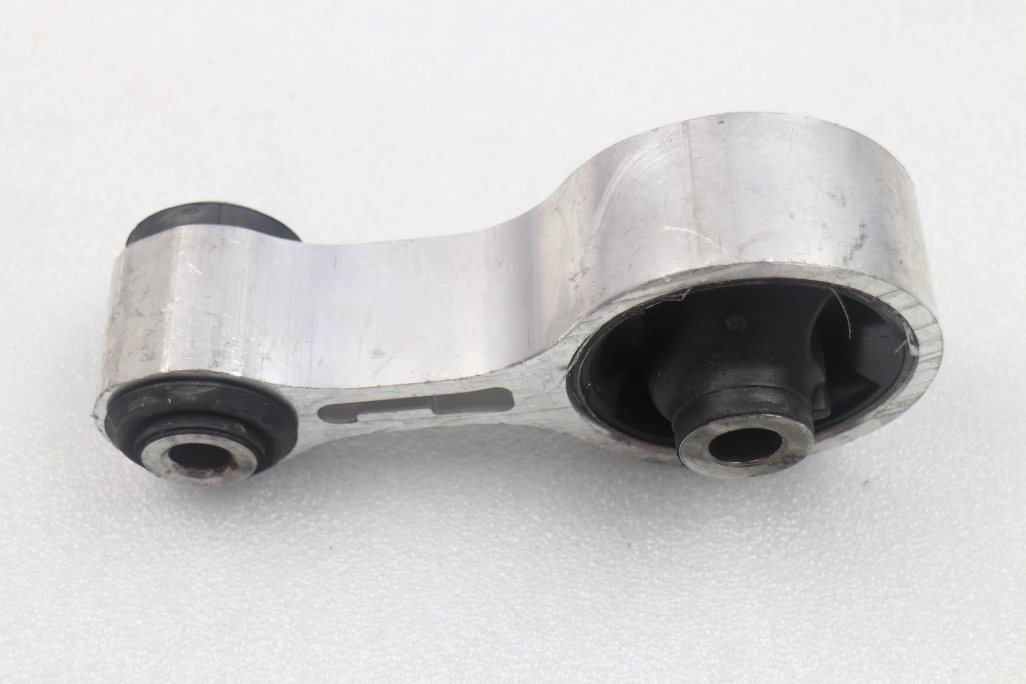 Gj6a-39-040a Engine Support Rear Mazda 6 Oem