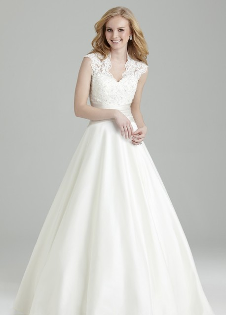 High Quality Arrival V Neckline Aline Y Lliques Lace Wedding Dresses Vestido De Novia Gown
