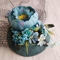 Nuevo Diseño de La Turquesa Sinamay Base de Tela de Lino de Flores Velo De Novia Sombrero Superior Fascinator Sinamay Novia Partido Desfile de Moda Pinza de Pelo