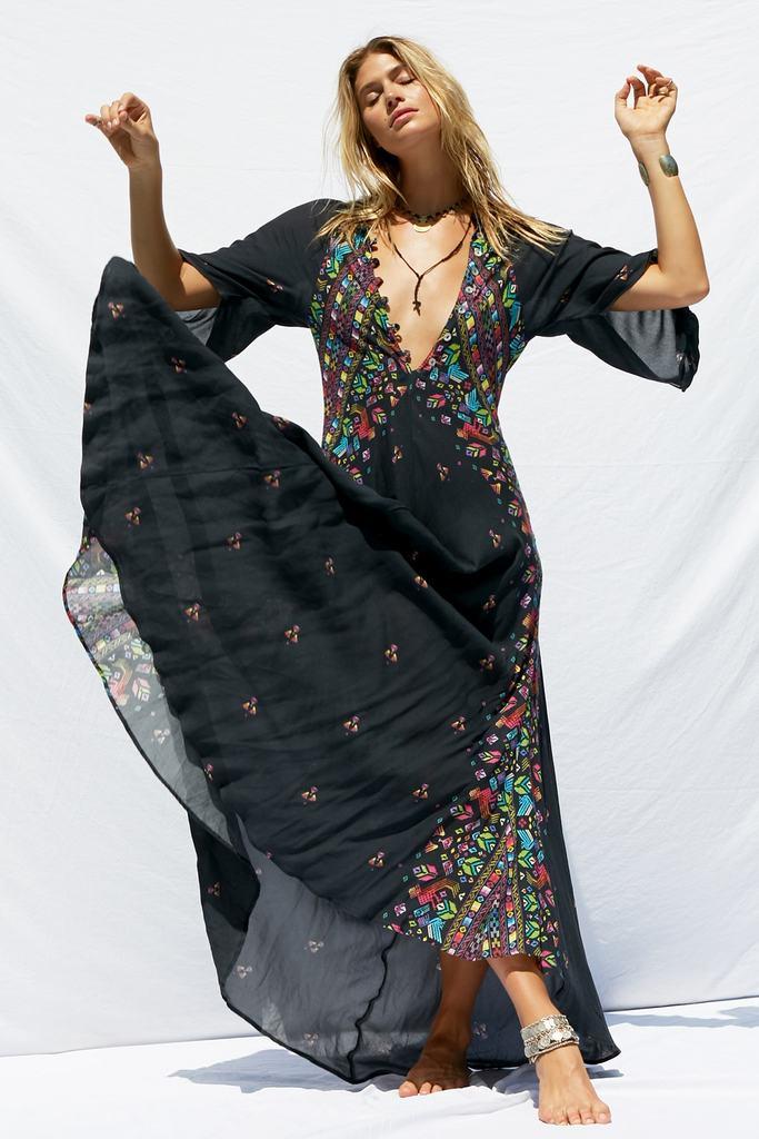 jens-pirate-booty-huichol-hyacinth-gown-2-min_1024x1024