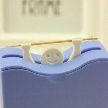 Creativo Plástico Caja palillo de Dientes Palillero Automático Dispensador Cubo Home Tabla de la Barra de Accesorios