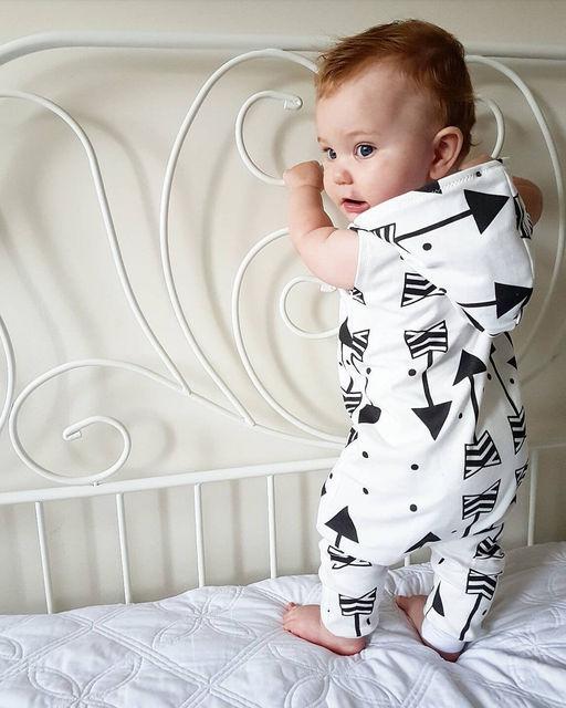 2018 new dễ thương Trẻ Em Không Tay Mũi Tên Quần Áo Trẻ Sơ Sinh Baby Boy Kid Trùm Đầu Sleeveles Romper Jumpsuit Outfits Quần Áo