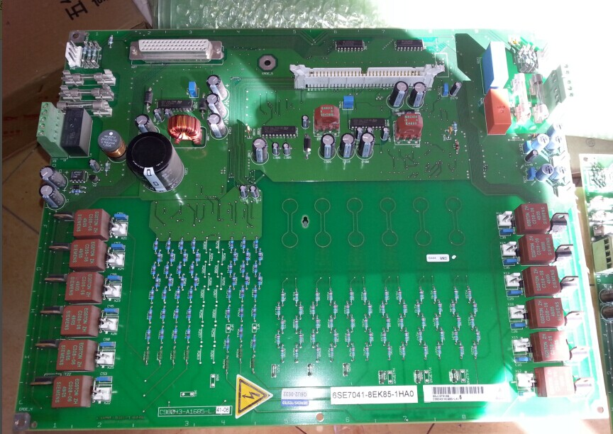 все цены на Trigger board teardown rectifier unit 6SE7041-8EK85-1HA0 and C98043-A1685-L41 онлайн