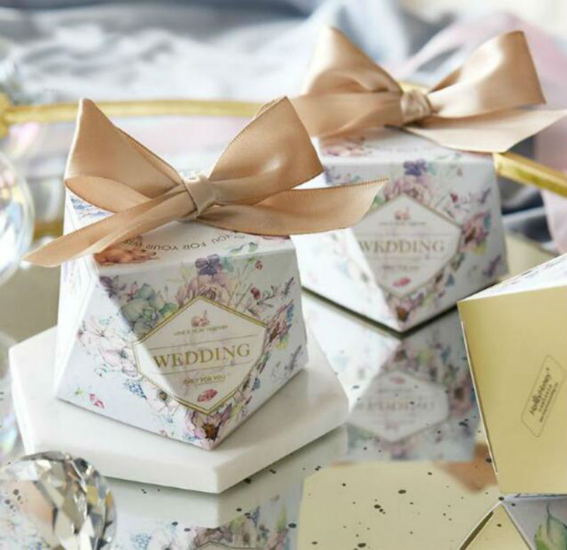 50pcs New Creative Floral Diamond Wedding Favors Candy Boxes Party