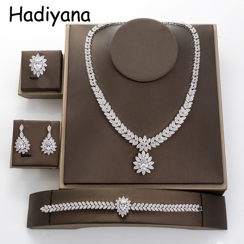 Wedding Jewelry Sets New Fashion Classic Design Two Colors For Women With Cubic Zirconia TZ8037 Stainless