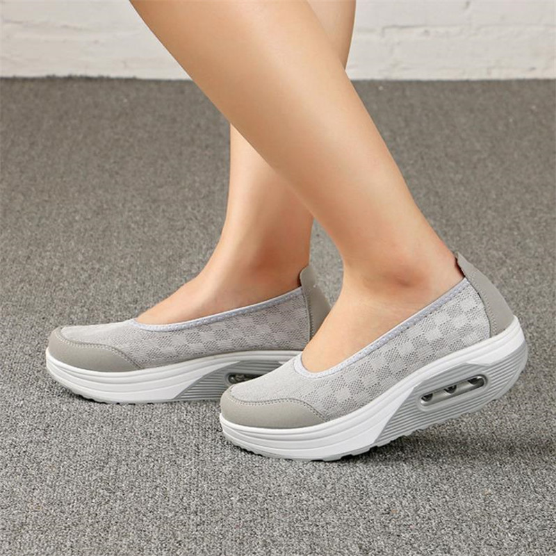 2019 Summer new Women's thick-soled shoes shake fashion casual Shake shoes thick bottom sponge cake single cushion shoes s012(China)