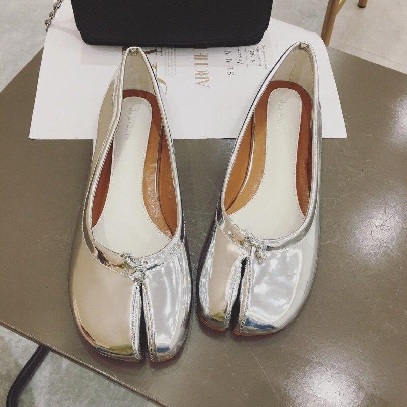 2020 Spring Autumn Tabi Ninja Leather Shoes Woman Split Pig Toe Loafers Slip On Brand Designer Moccasins Women Comfortable Flats