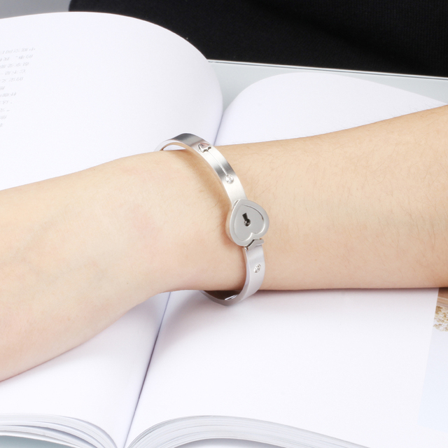 Fashion A Couple Jewelry Sets For Lovers Stainless Steel Love Heart Lock Bracelets Bangles Key Pendant Necklace Couples Set 1