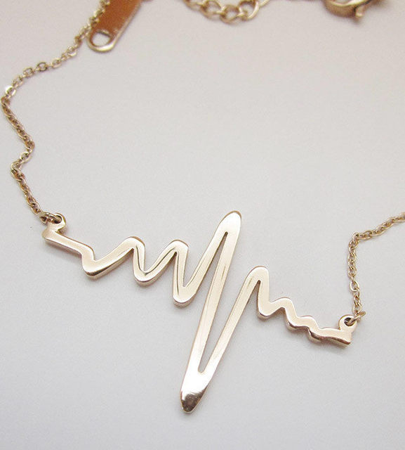 941545ffa21 Women Heart Rate Waves Necklace Fashion Short Paragraph Clavicle Chain  Necklace Rose Gold Heart Jump Pendant Necklaces NE150