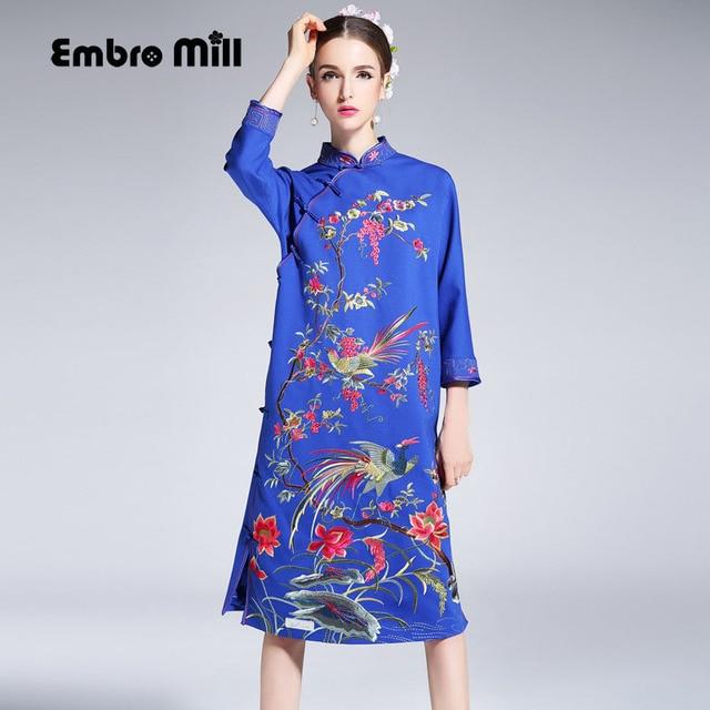 39dc695856 Wysokiej klasy kwiatów jesienne kobiet Chiński styl midi sukienka haft  suknie eleganckie loose lady niebieski