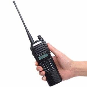Image 2 - BaoFeng Walkie Talkie UV 82 5w bateria 3800mah 10 cinco quilômetros Nos Dois sentidos cb ham rádio portátil poderoso handheld Dual PTT uv82 Rádio caça