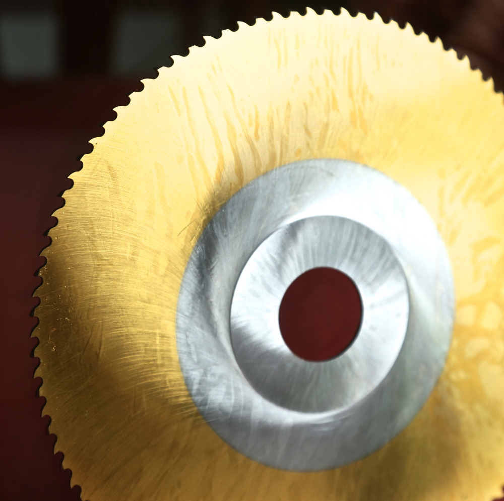 цена на Free shipping of 1PC HSS6542 made hss saw blade 300*32*1.2/1.6/2.0/2.5mm for Steel iron aluminum pipes plates profile cutting