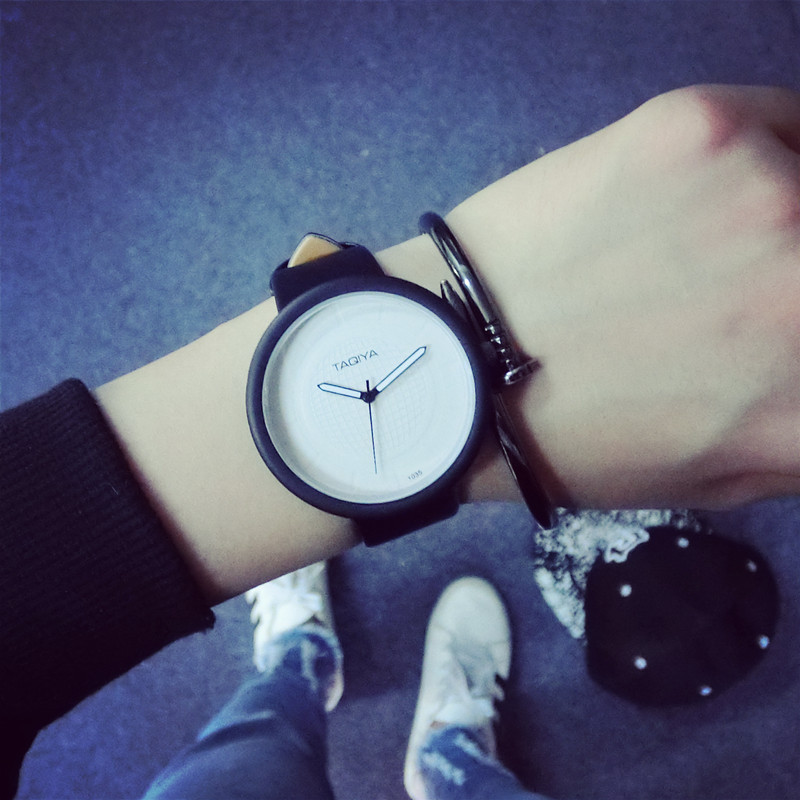 South Korea's Big Dial Unique Retro Personality Contracted Fashionable Belts Tide Male Female Student Couples Watch  Minimalist