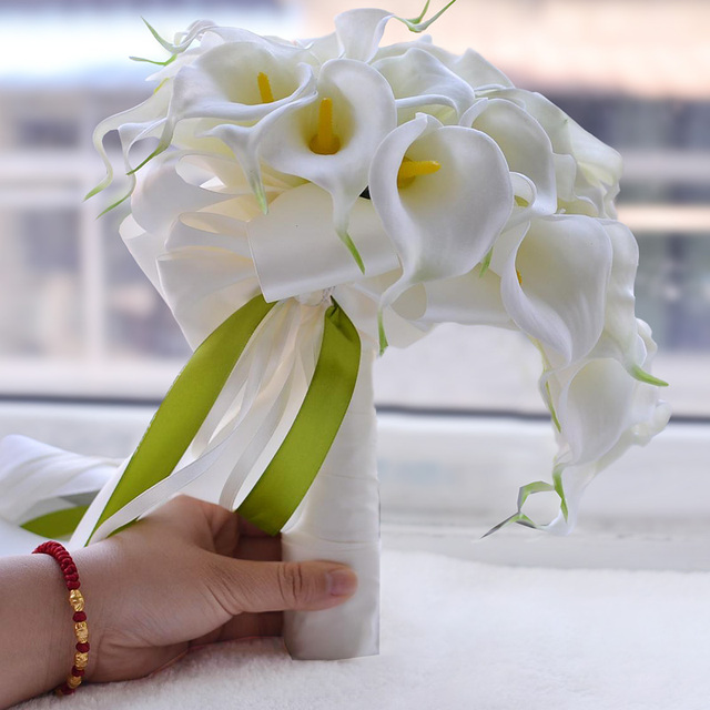 Calla lily white yellow wedding bouquet bridal holding flowers artificial waterfall ramos de novia 2018 free shipping in wedding bouquets from calla lily white yellow wedding bouquet bridal holding flowers artificial waterfall ramos de novia 2018 free mig