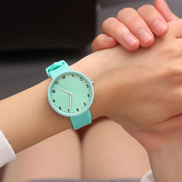 JBRL Brand Silicone Wristwatch Women Watches Simple Fashion Quartz Watch for Ladies Female Clock Montre Femme Relogio Feminino