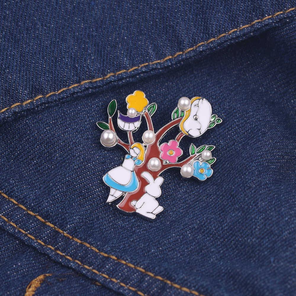 دبوس كارتوني أليس في بلاد العجائب دبابيس الموضة فستان بتصميم بدلة بروش الملابس الزخرفية شارة مجوهرات حفلة هدايا الأطفال الصغار