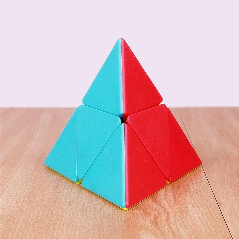 QIYI 2x2 pyramid cube stickerless magic cubes professional 2x2x2 puzzle speed cube educational toys for childrenQIYI 2x2 pyramid cube stickerless magic cubes professional 2x2x2 puzzle speed cube educational toys for children