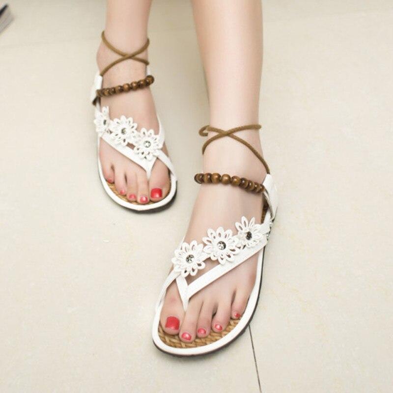c4fb4f5ae564 2017 Summer Fashion Flat Shoes Women Bohemia Floral Beach Sandals Thongs  Flip Flops Sweet Style Flowers Beaded Strap Sandals