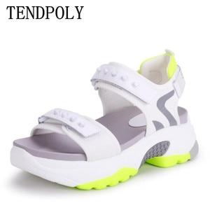 Image 1 - Сандалии женские из микрофибры, мягкие босоножки, Нескользящие, дышащие, толстая подошва, Повседневная модная спортивная обувь, лето