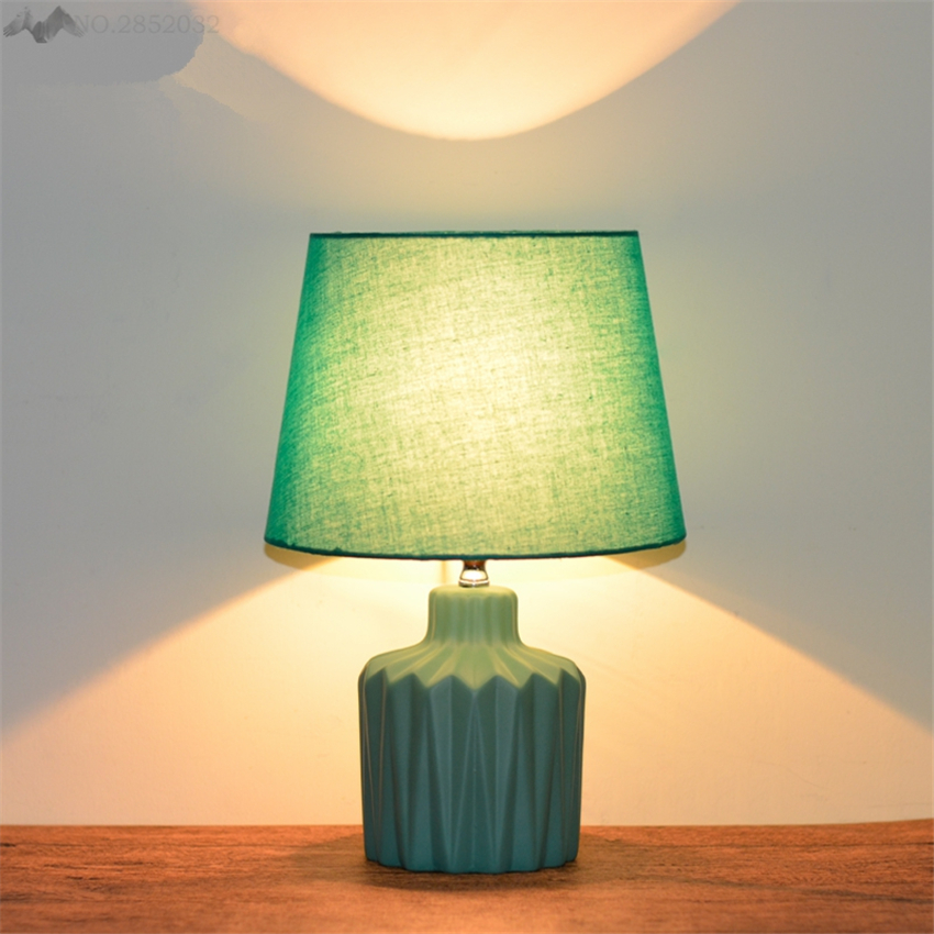 LFH Nordic American Style Table Lamps Bedroom Bedside Creative Ceramic table Light Modern Fashion Cute Warm Bedroom Bedside LampLFH Nordic American Style Table Lamps Bedroom Bedside Creative Ceramic table Light Modern Fashion Cute Warm Bedroom Bedside Lamp