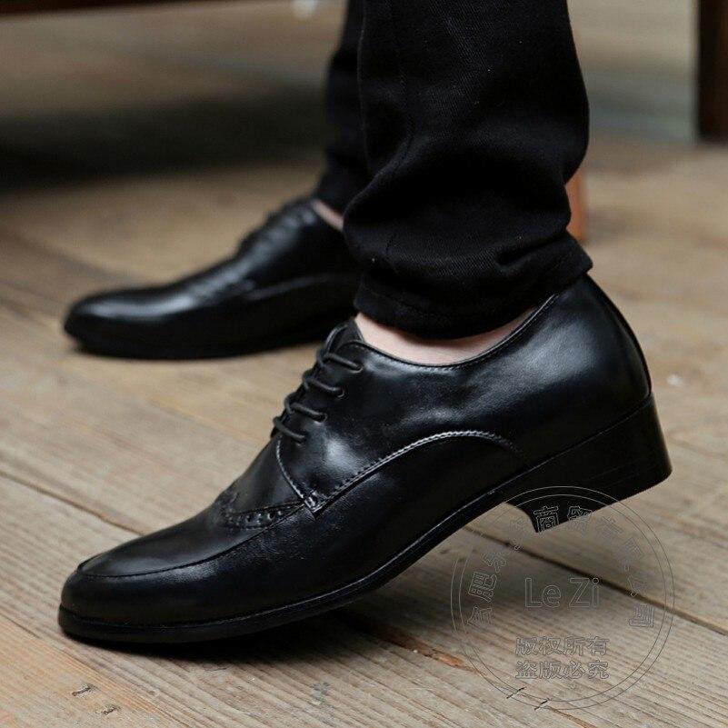 ФОТО Cheap Men Oxford Shoes Men's Dress Shoes Flat Toe Pure Color Cow Split Soft Leather Discount Traditional Brogue Shoes Men Carved