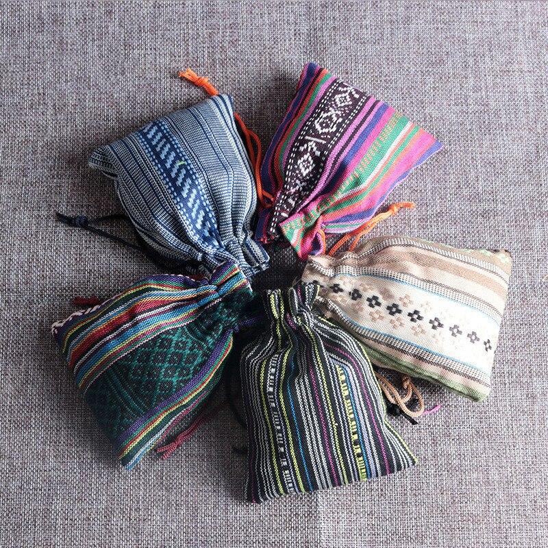 50 stücke (9x13 cm) ethnische wind baumwolltaschen Natürliche Sackleinen Leinen Schmuck Reise aufbewahrungstasche Candy jute Verpackung Taschen für Geschenk tasche
