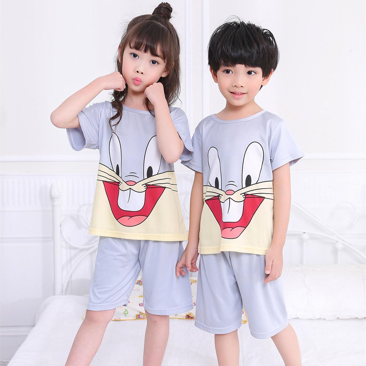 Летние детские пижамы с короткими рукавами для мальчиков и девочек мягкие пижамы с рисунками для детей милая Домашняя одежда детский день п...