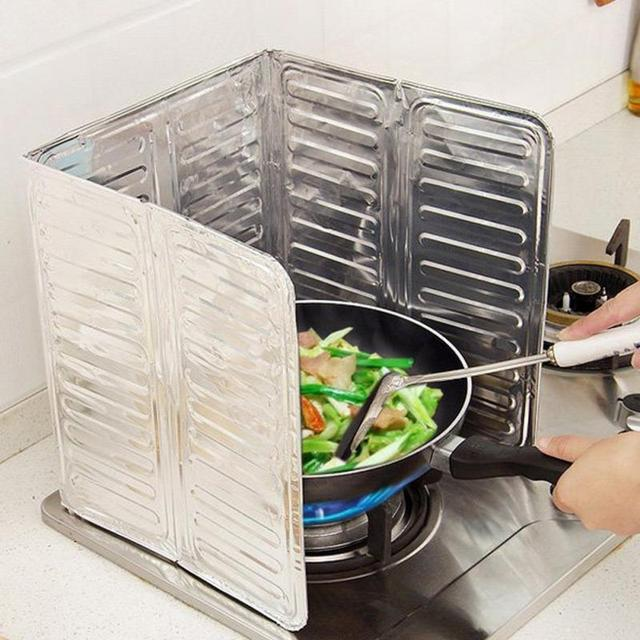 High Quality Aluminum Foil Kitchen Oil Splash Guard Gas Stove Cooker Oil  Removal Scald Proof Board