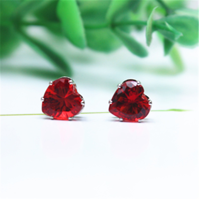 Hot Selling Classic Jewelry 8mm Imitation Zircon Resin Triangle Gold  Stud Earrings 16 Color Statement Earring For Woman