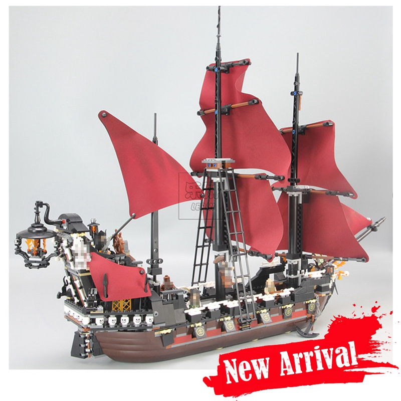 LEPIN 16009 Queen Anne's Revenge Classic Movie Building Blocks Bricks Toys DIY For Kids Model 1151PCS Compatible legoINGly 4195 lepin 16009 queen anne s revenge 22001 imperial warships model building blocks for children pirates toys clone 4195 10210