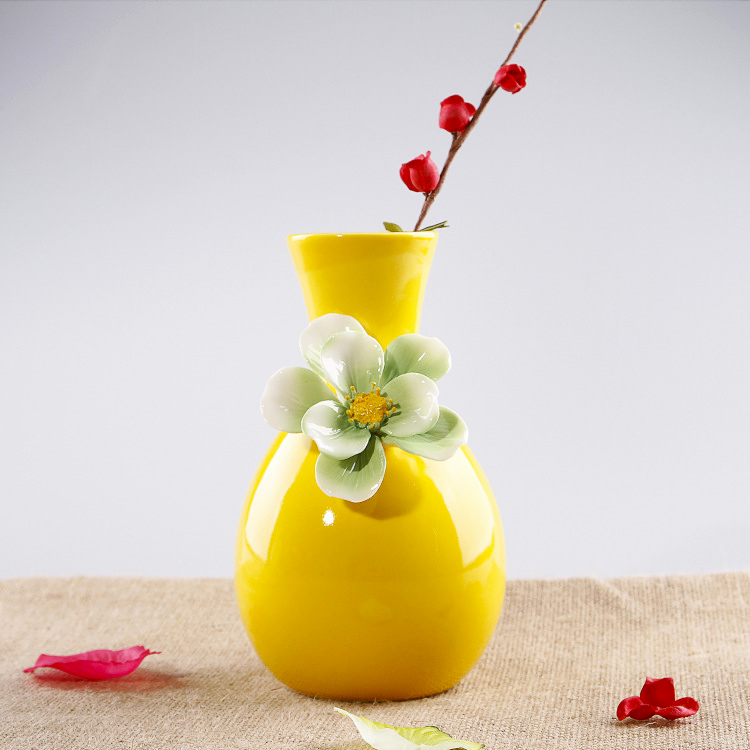 Yellow Porcelain Vase Ceramic Living Room Ornaments Decorative Wedding Flower Vase Simple Modern Crafts European Flower Vase