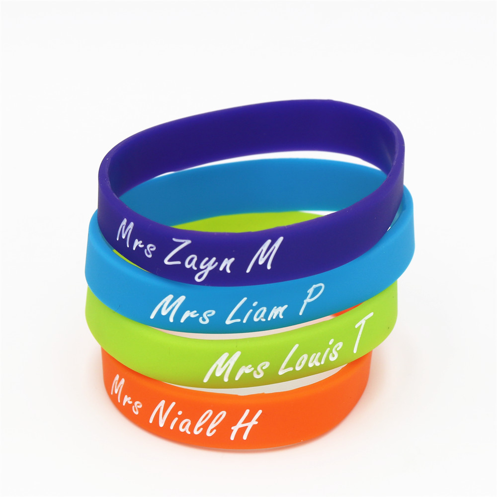 1 St 1 D One Direction Silicone Wristband Niall Harry Zayn Louis Silicone Rubber Armbanden & Bangles Muziek Bands Fans Gift Sh209
